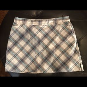 Lady Hagen white w/ turq/black plaid Skort